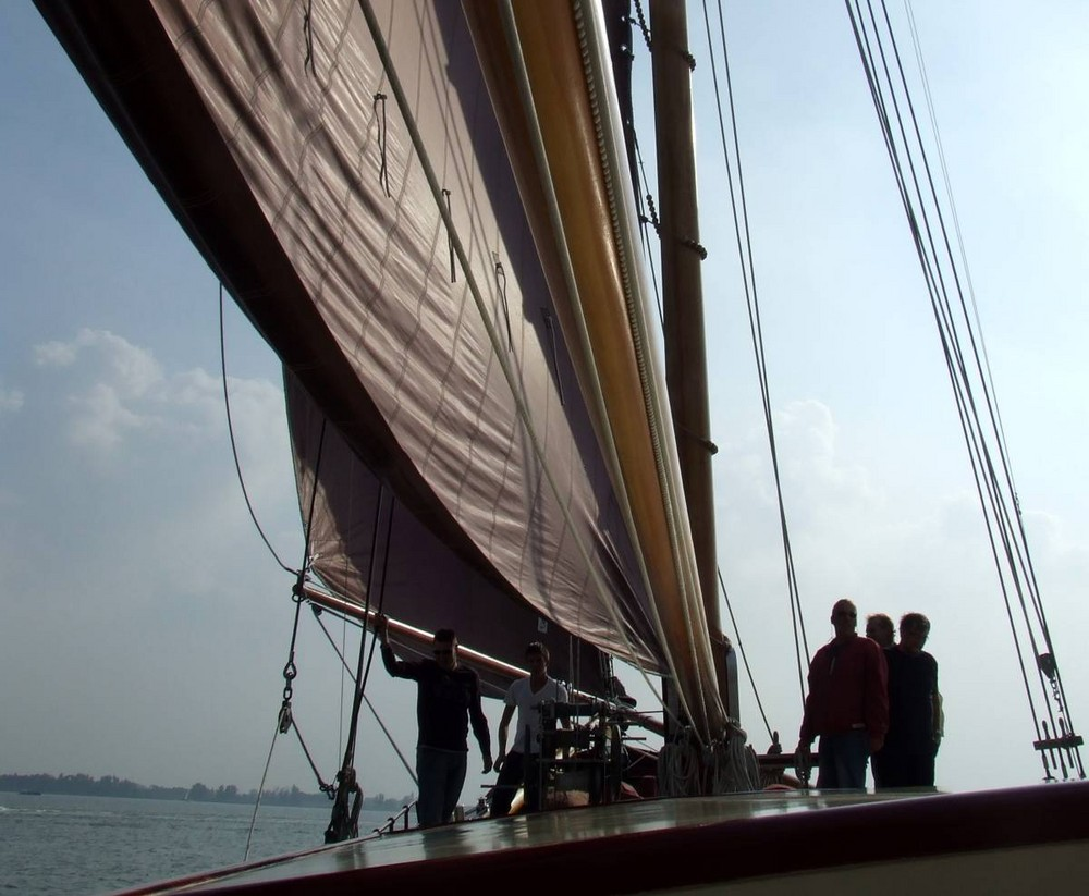 All hands on deck to raise the sails