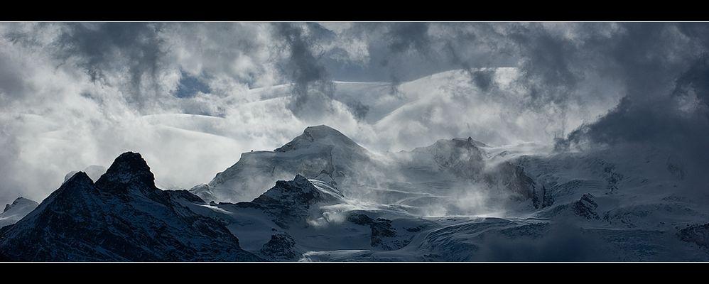 Allalin in Wolken