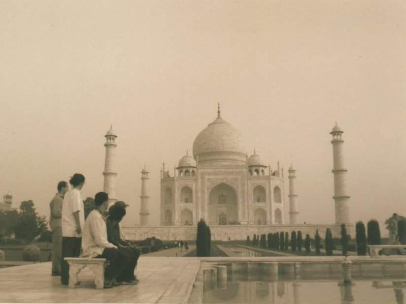 Alle Blicke gehen zum Taj Mahal