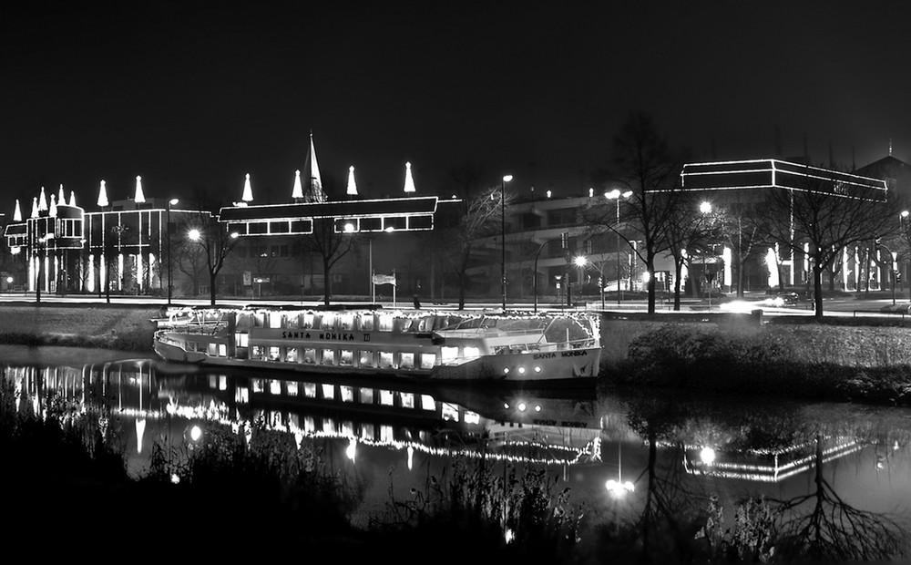 Allee Center in Hamm mit Weihnachtbeleuchtung