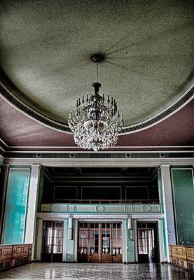 Allein im grünen Saal.......
