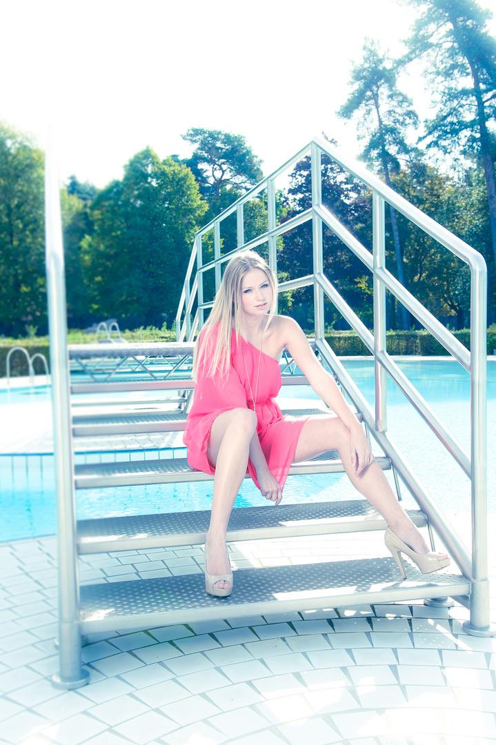 Allein im Schwimmbad