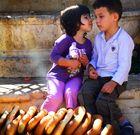 allererster Kuss an einem Brunnen in der Jerusalemer Altstadt
