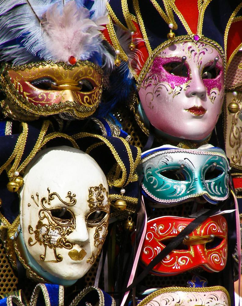 alles nur Masken