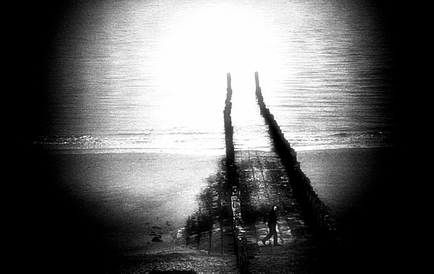 alone (8)