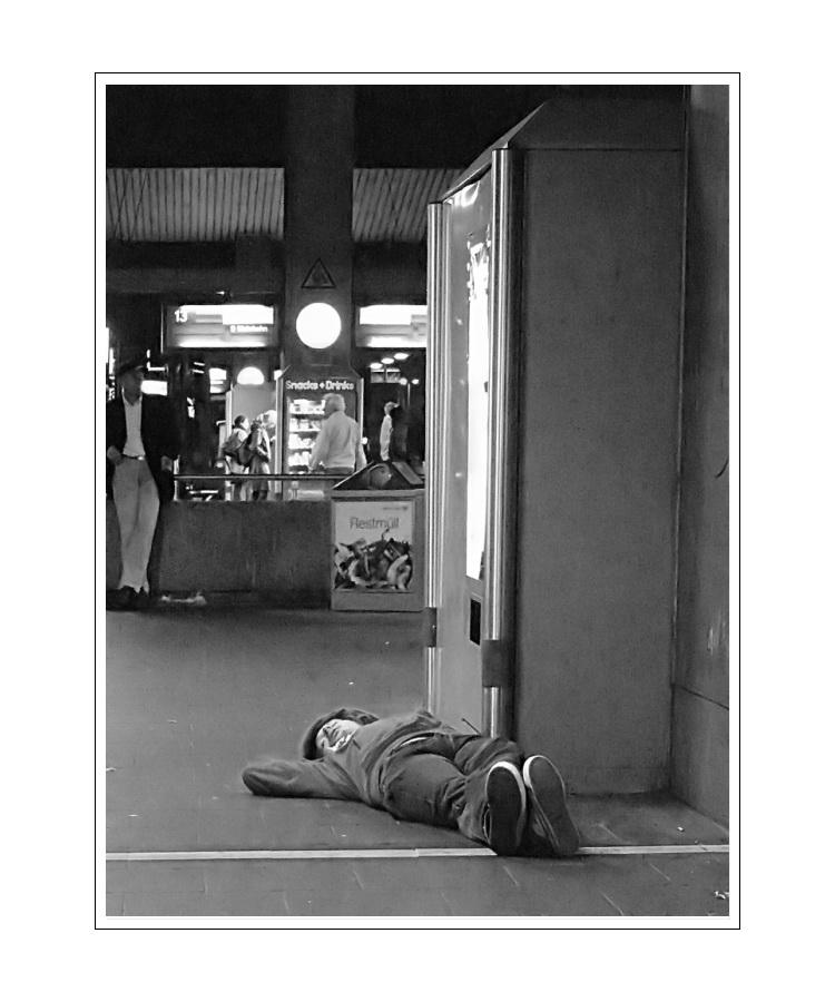 Alone in the S-Bahn Düsseldorf 02