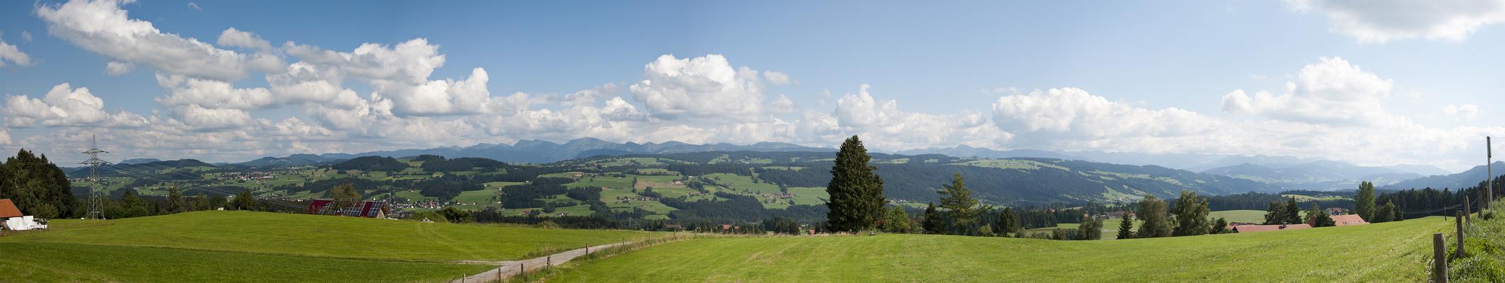Alpenblick von der Alpen-Höhen-Strasse bei Lindenberg