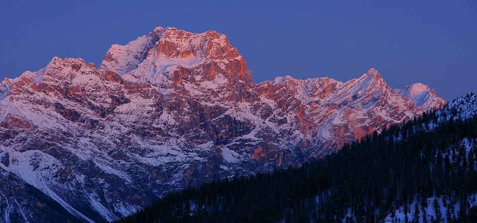 Alpenglühen über den Dolomiten