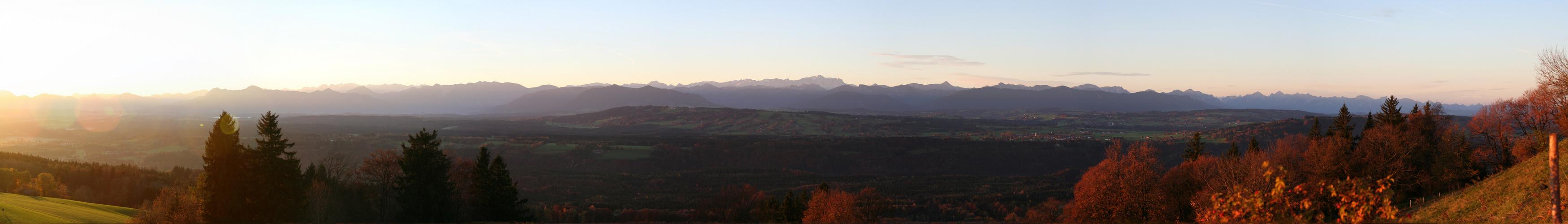 Alpenpanorama im Sonnenaufgang