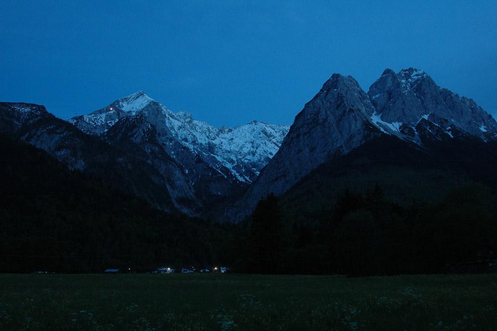 Alpenpanorama zur Blauen Stunde