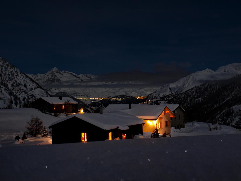 Alpenwelt um Mitternacht