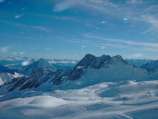 Alpen/Zugspitze :: speeding snow flakes