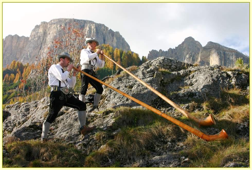 Alphornbläser in Südtirol
