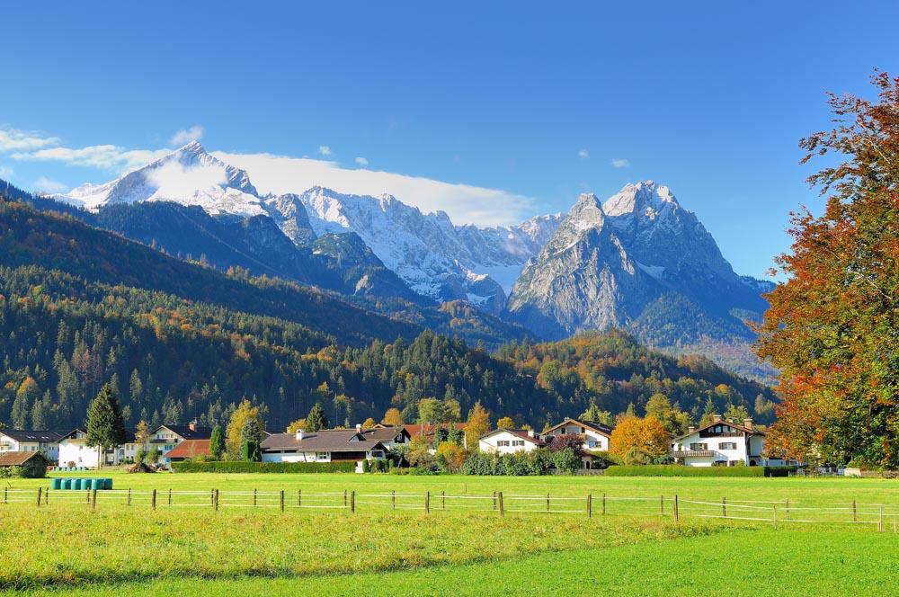 Alpspitze bis zugspitze vom olympia eis stadion in - Garmisch partenkirchen office du tourisme ...