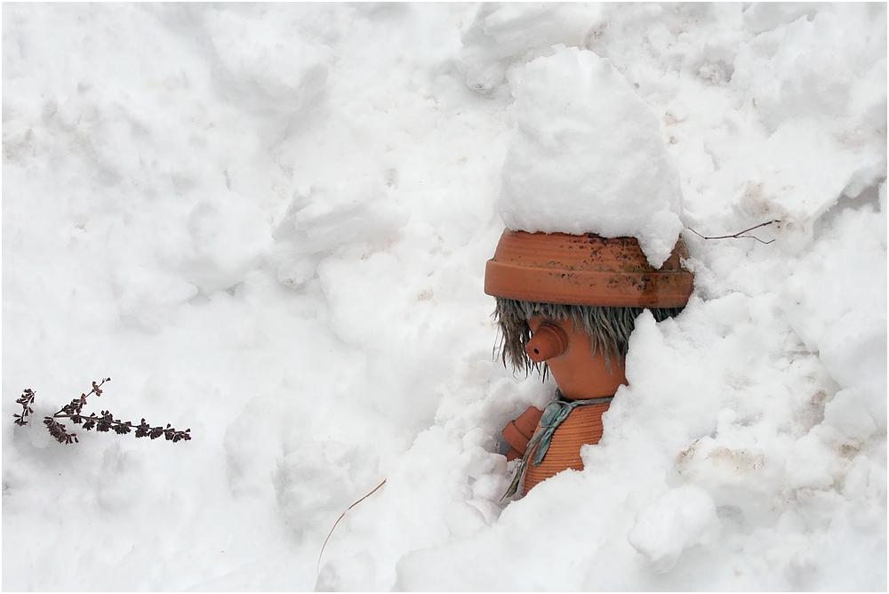 Als ich heute vormittags im Garten alleine Schnee schaufelte ...