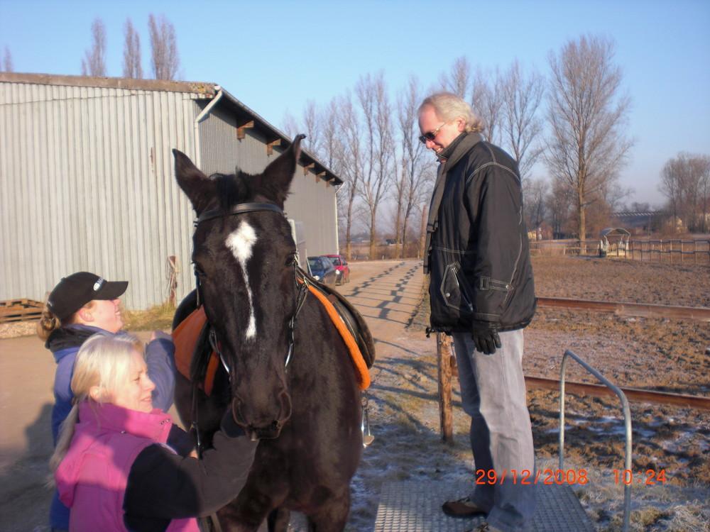 """also das Pferd denkt:""""soll ich, oder soll ich nicht...?"""""""