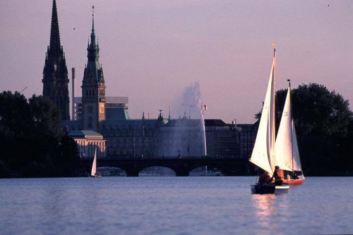 Alster und Rathaus