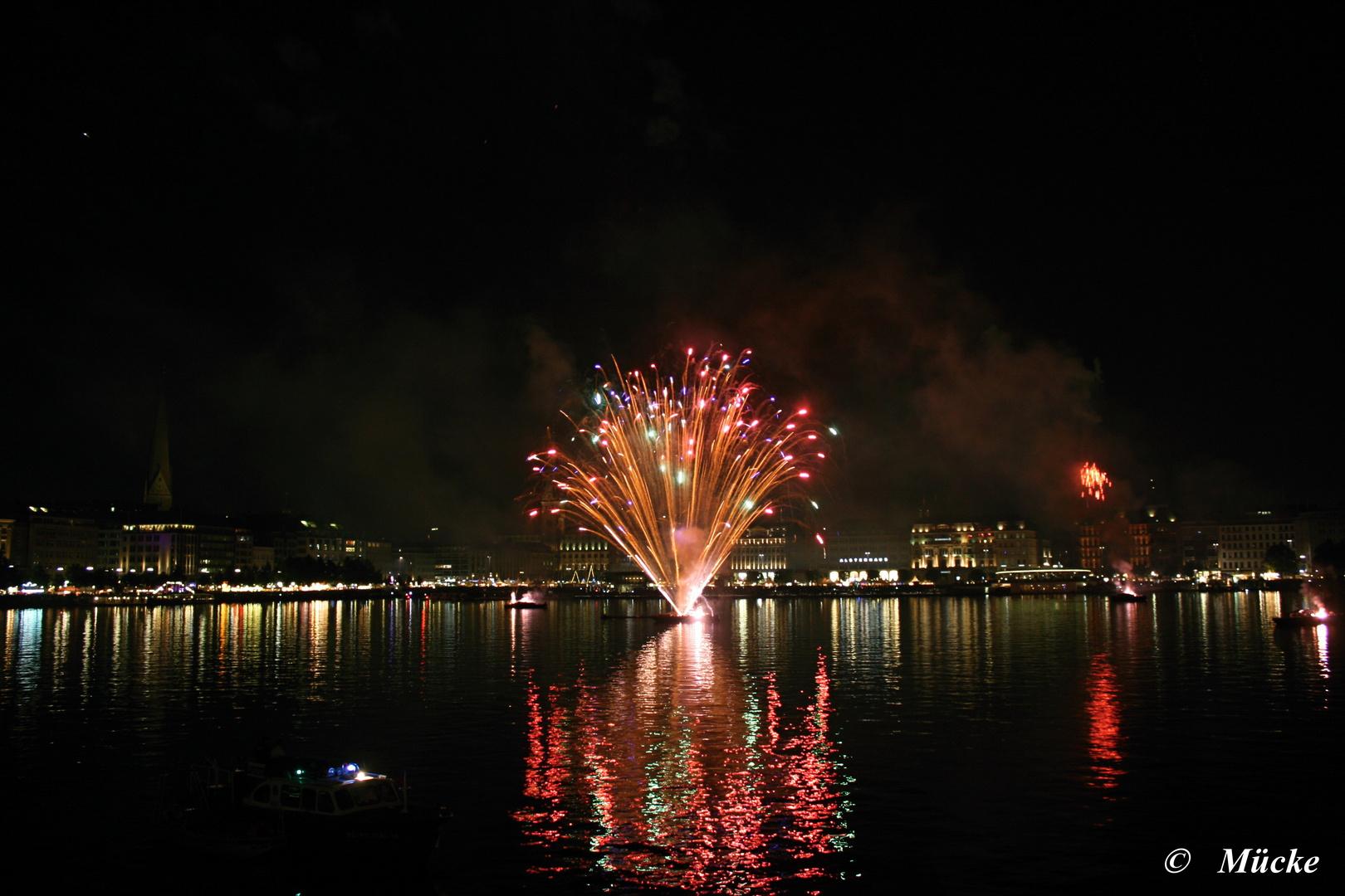 Alsterverknügen Feuerwerk