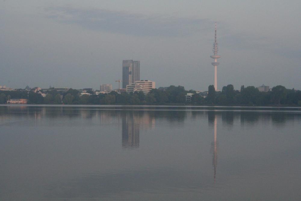 Alsterwasser am Morgen