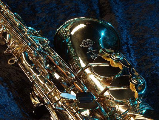 Alt-Saxophon im Samt & Seide