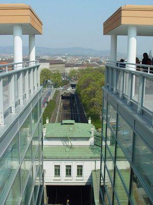 Alt und Neu (Bücherei Wien)