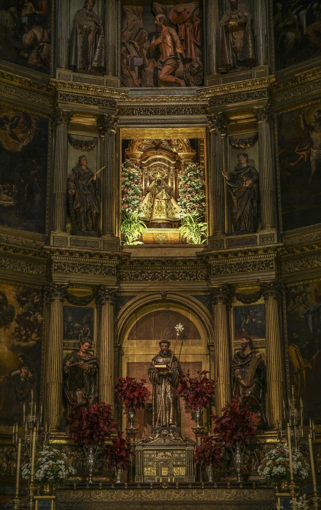 Altar mayor Monasterio de La Virgen de Guadalupe (Cáceres Extremadura España)