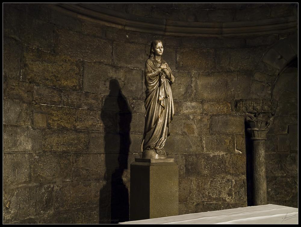 Altar menor Monasterio de Sant Joan de les Abadesses (Ripolles Girona Catalunya)