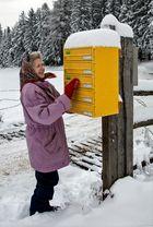 Alte Bäuerin erhofft sich Post!