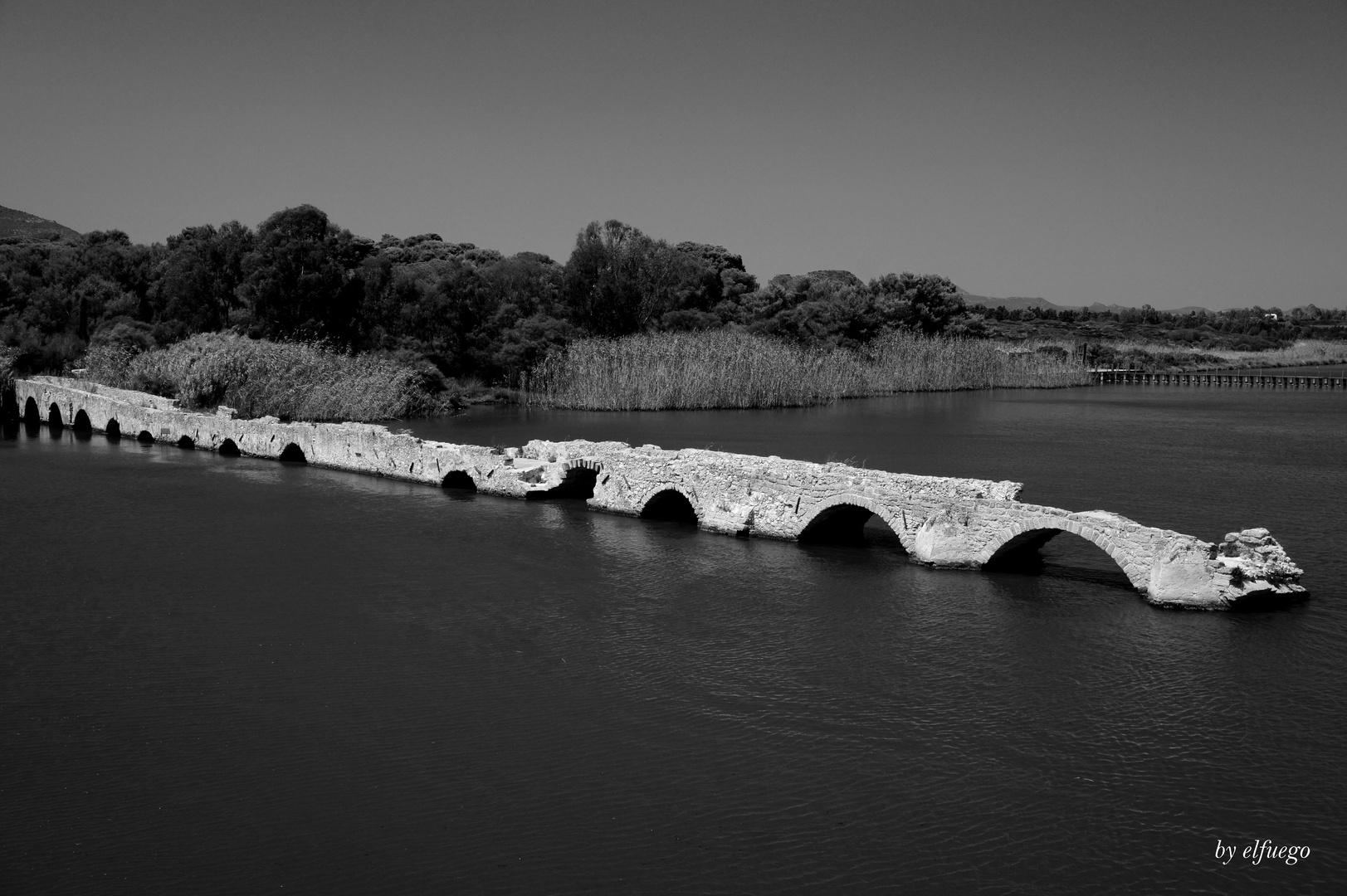 Alte Brücke aus der Römerzeit