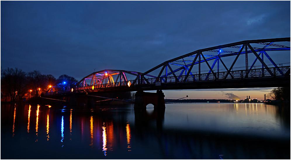 Alte Brücke in Plaue 01