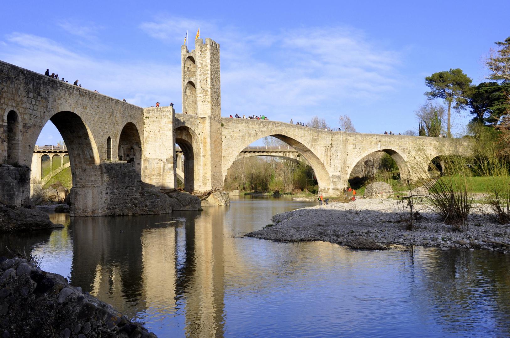 Alte Brücke von Besalú (Girona)