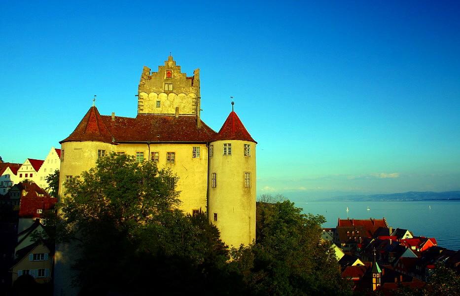 Alte Burg Meersburg im Abendlicht