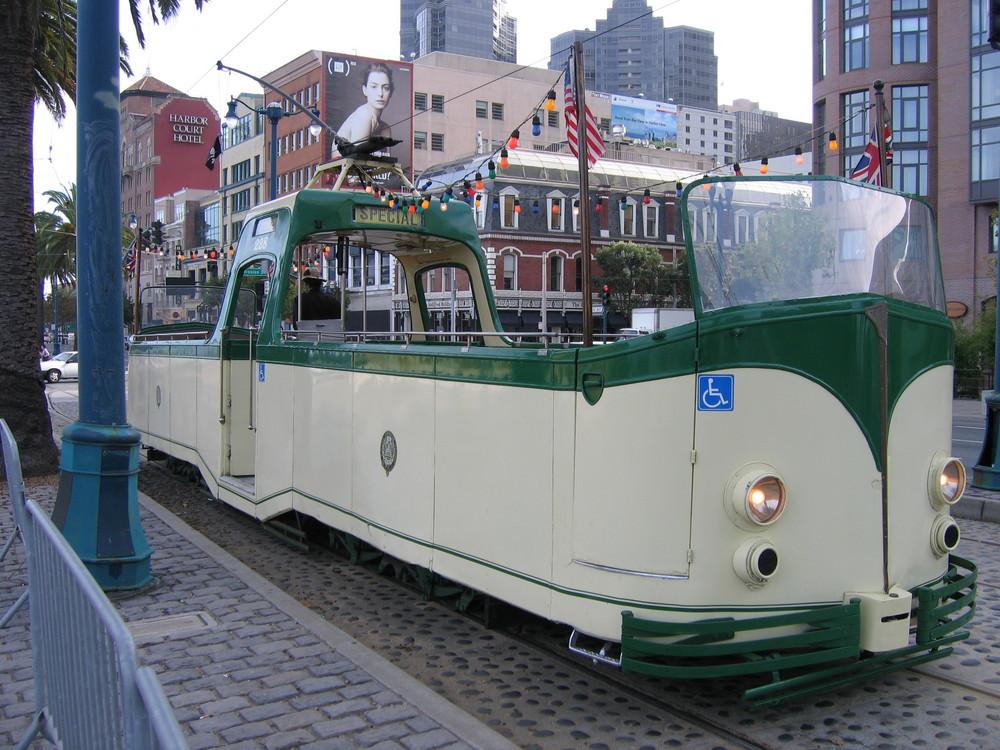Alte Cabrio Straßenbahn