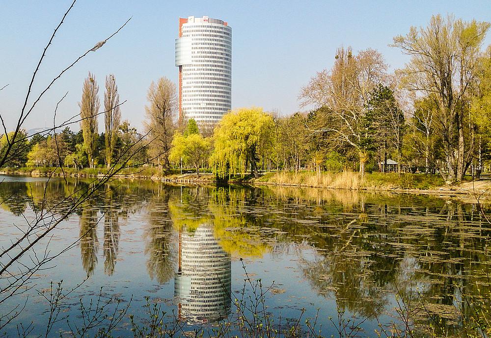 Alte Donau und modernes Wien