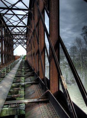 Alte Eisenbahnbrücke in Griethausen