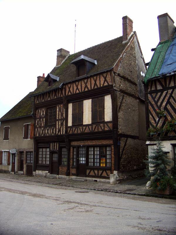 Alte Fachwerkhäuser in Dangeau