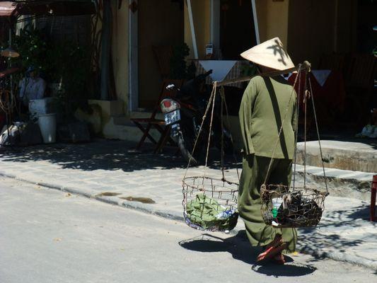 Alte Frau in Hoi An - Vietnam