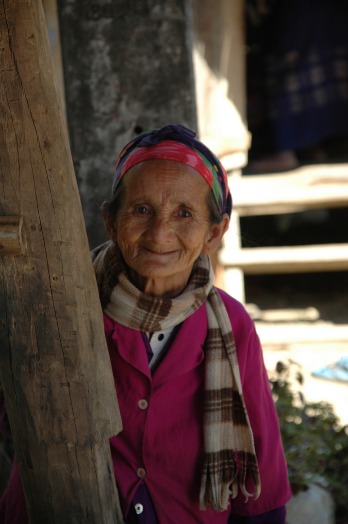 Alte Frau in Laos