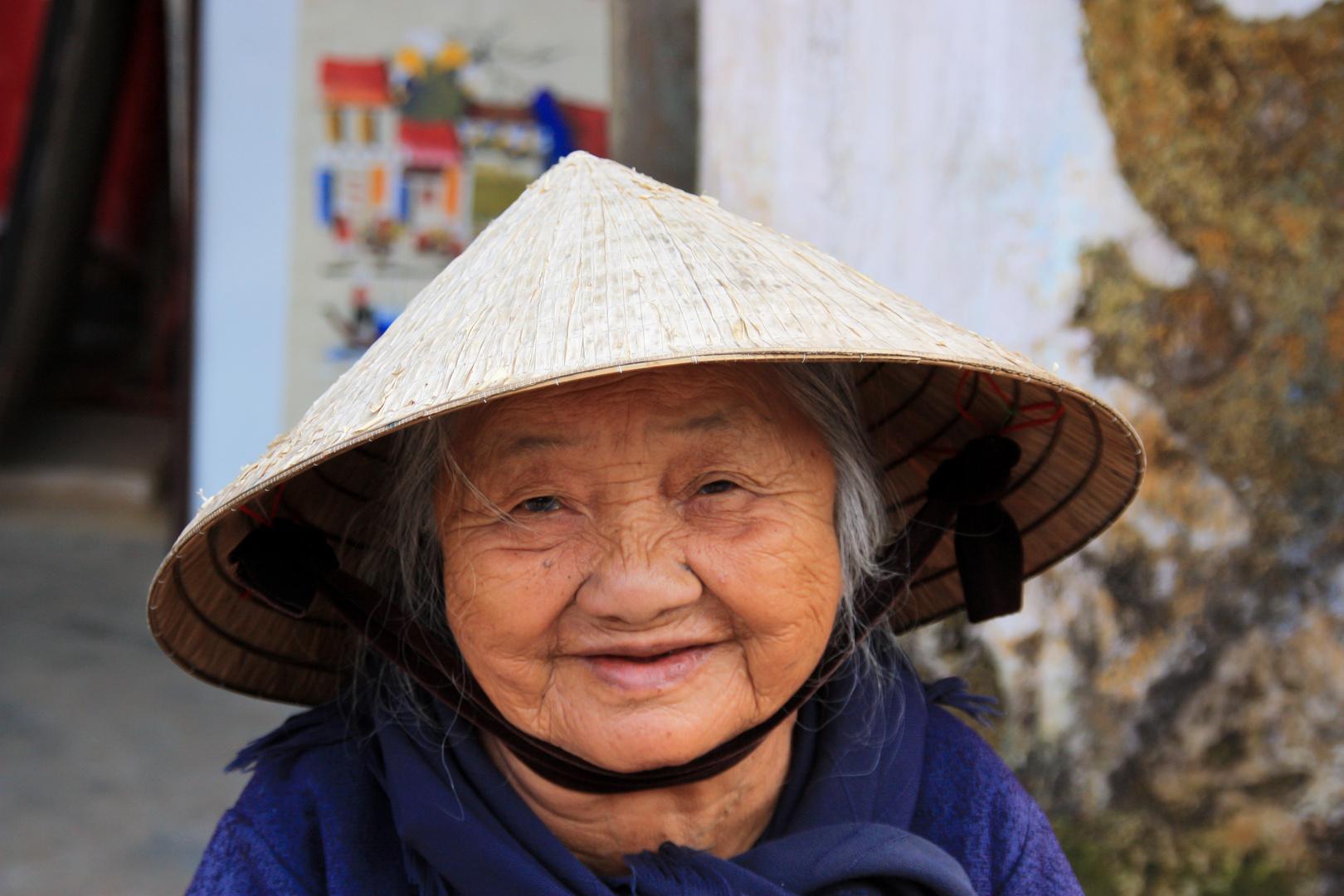 alte Frau in Vietnam