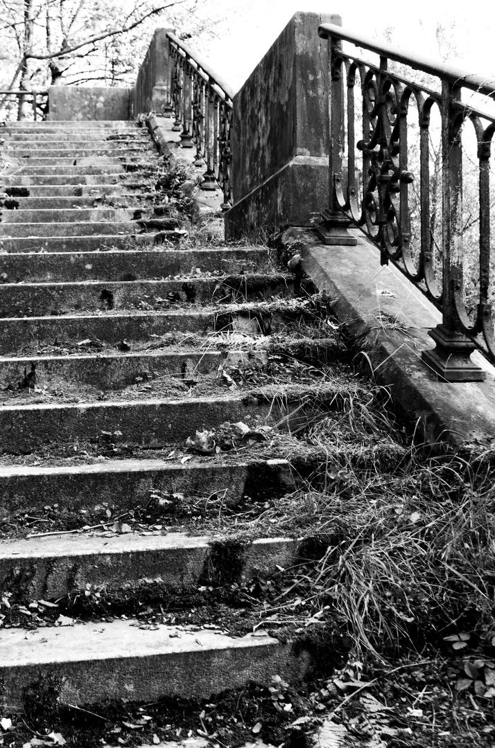 alte, gesperrte Treppe