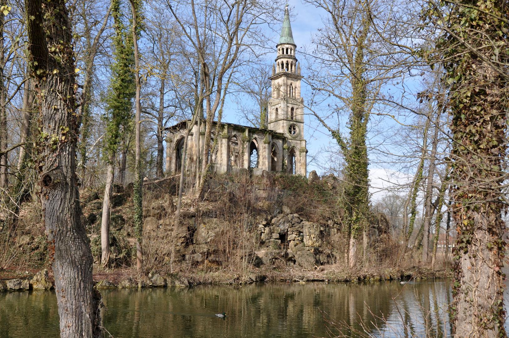 Alte Kapelle auf der Insel / Monrepos