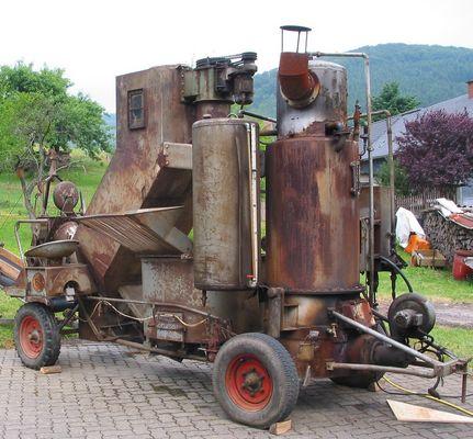 alte Kartoffeldampfmaschine um 1950