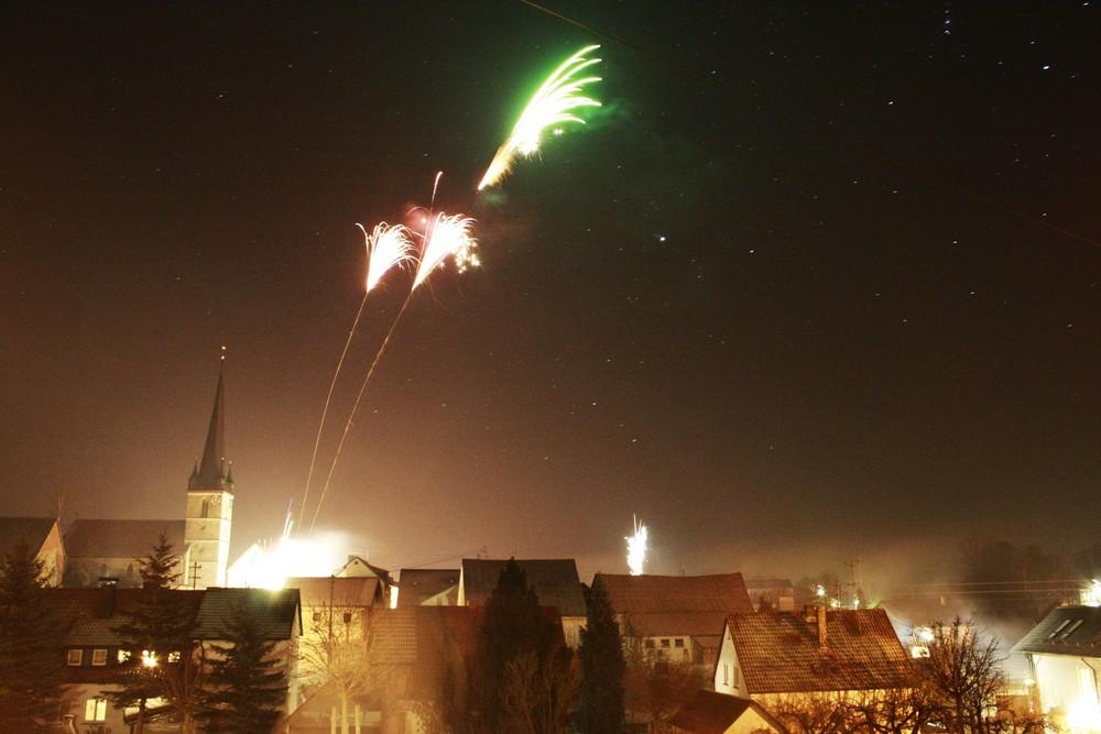 Alte Kirche in der Neujahrsnacht