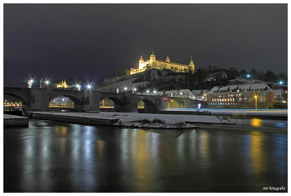 Alte Mainbrücke mit Festung und Käppele