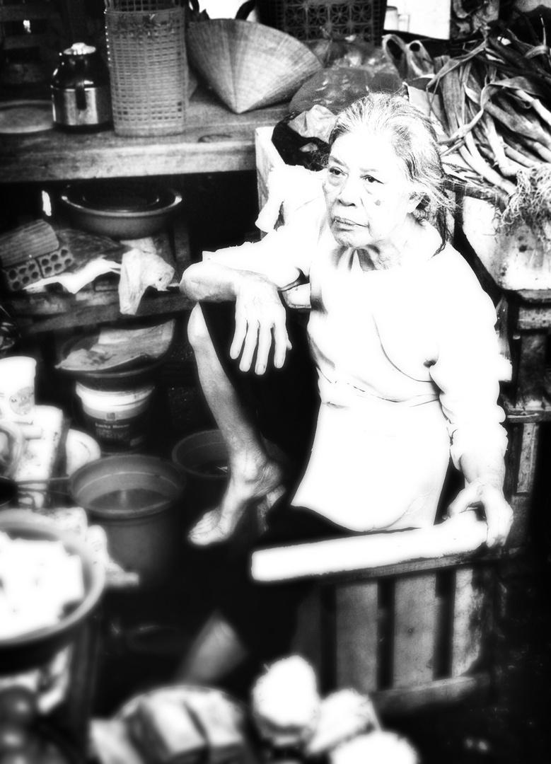 alte Marktfrau in Hoi An