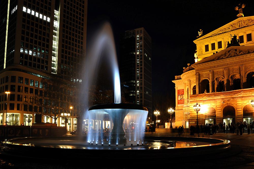 Alte-Oper-Brunnen
