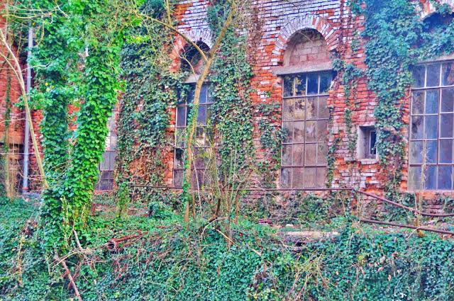 Alte Reste Einer Fabrik
