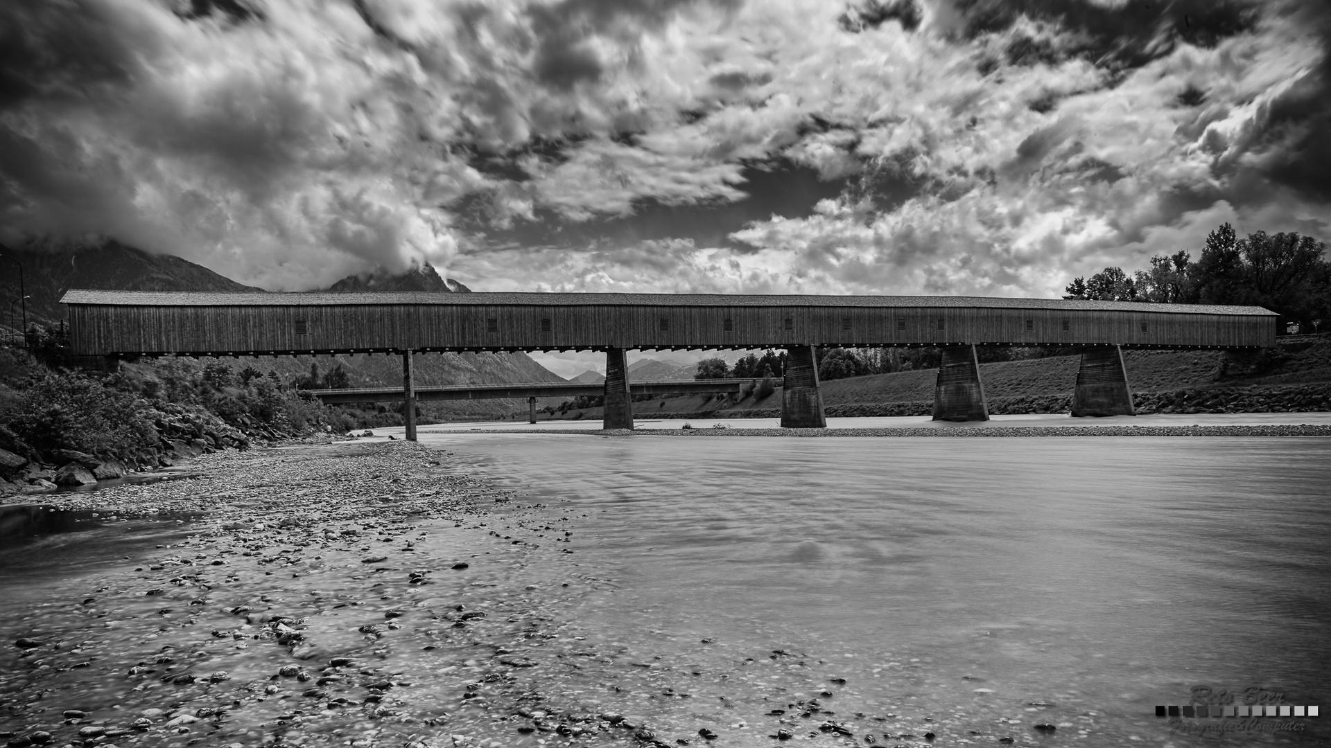 Alte Rheinbrücke Vaduz–Sevelen in voller Pracht