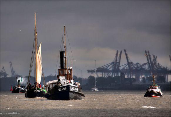 - alte Seefahrt vor neuer Kulisse -