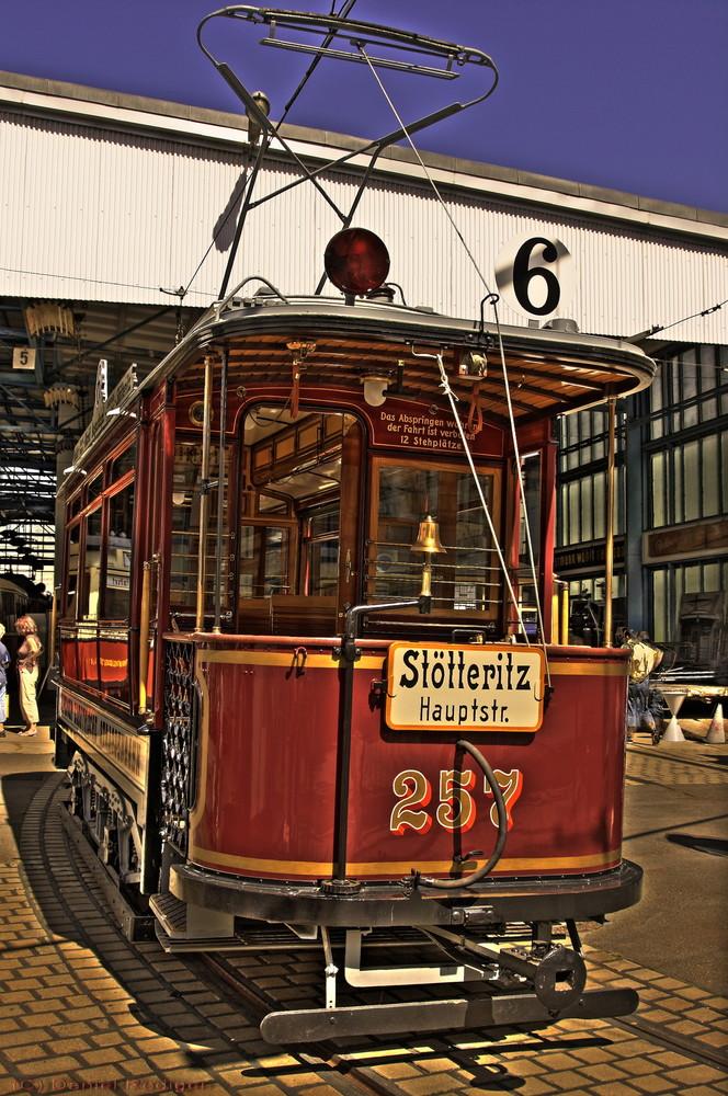 Alte Strassenbahn im Strassenbahnhof Leipzig Möckern